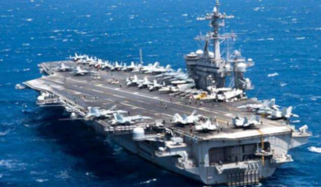 Portaaviones-norteamericano-en-Vietnam-Departamento-de-Defensa.jpg