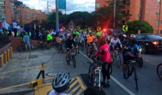 Protesta-ciclista-vía-la-calera.jpg