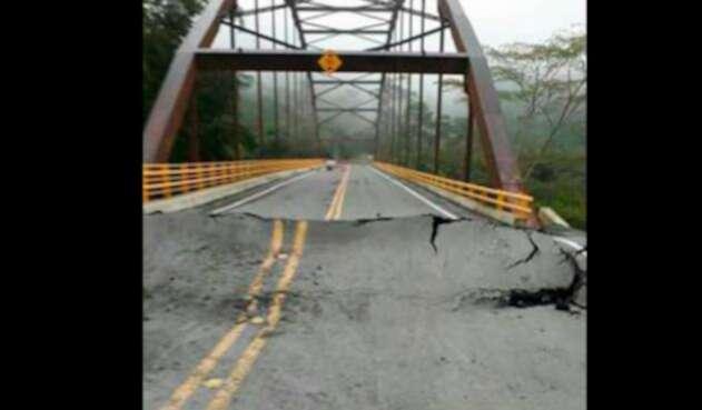 Puente-vía-Otanche-–-Puerto-Boyacá-Foto-Tomada-de-Twitter.jpg