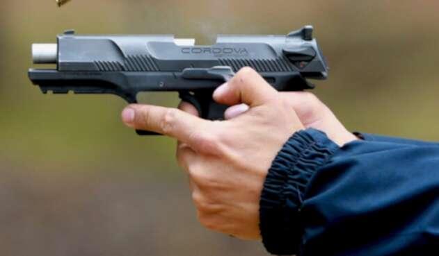 Revolver - Pistola - Arma de fuego