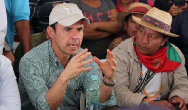 Rivera-David-Oliveros-LA-FM.jpg