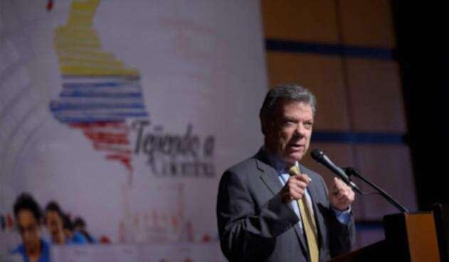 Santos-LA-FM-Presidencia-10.jpg