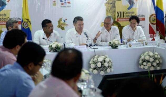 Santos-LA-FM-Presidencia-9.jpg