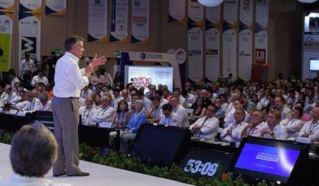 Santos-LA-FM-Presidencia10.jpg