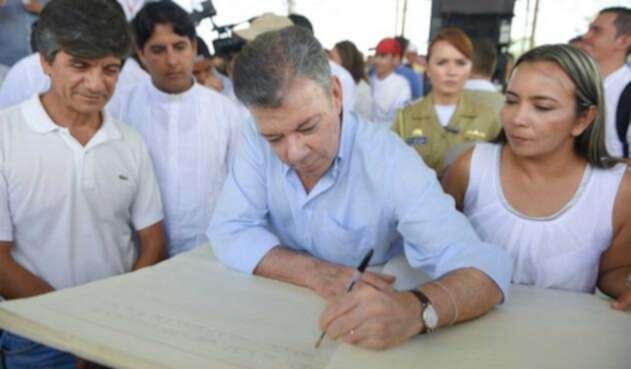 Santos-LA-FM-Presidencia2.jpg