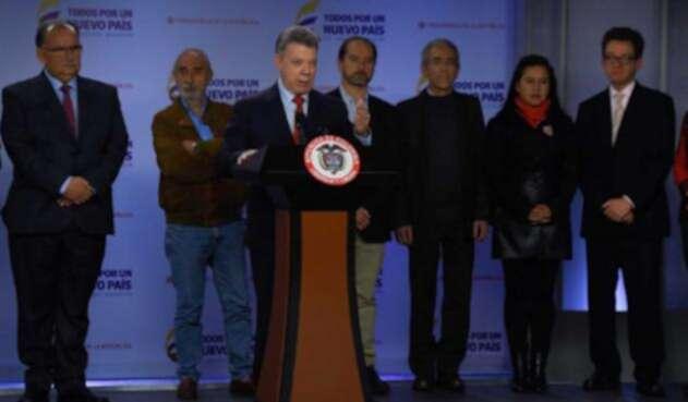 Santos-LA-FM-presidencia11.jpg