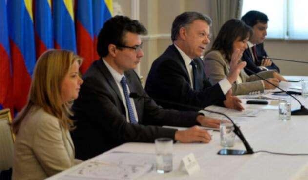 Santos-LAFM-Presidencia-1.jpg