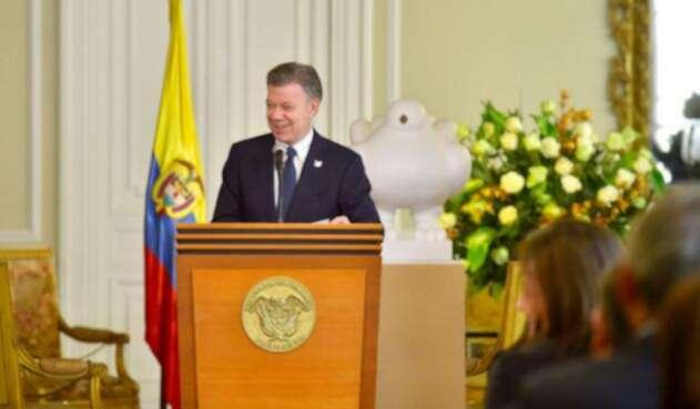 Santos-LAFm-Presidencia1.jpg