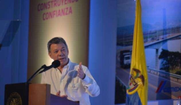Santos-LAFm-Presidencia5.jpg