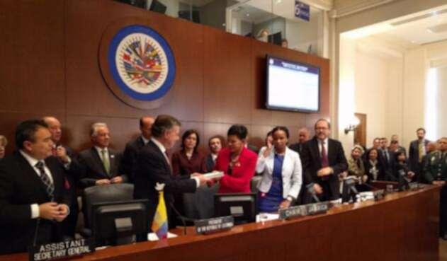Santos-OEA-Twitter-oea.jpg