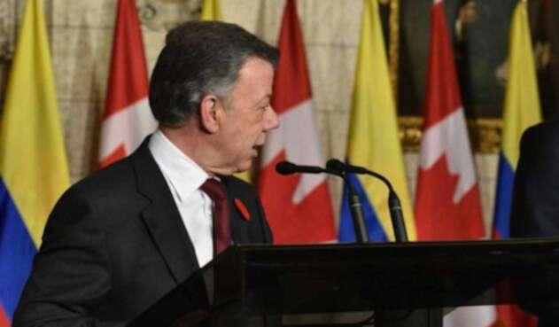 Santos-Presidencia-LA-FM2.jpg