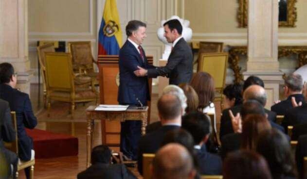 Santos-Rivera-Presidencia-LA-FM.jpg