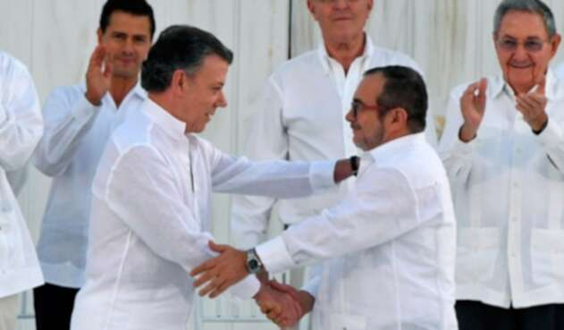 Santos-Timochenco-AFP.jpg