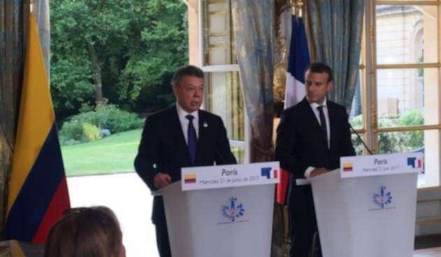 Santos-y-Macron-LA-FM.jpg