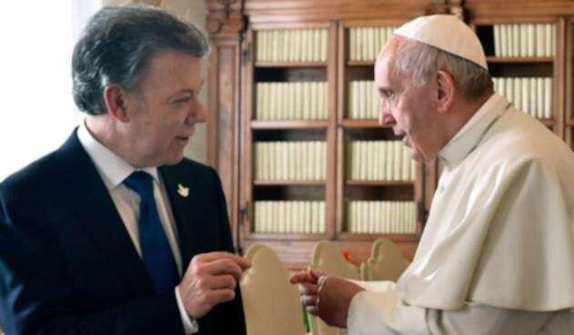Santos-y-papa-presidencia-4.jpeg