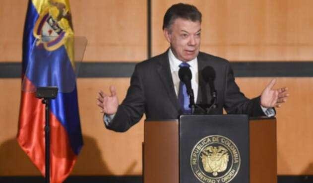 SantosPresidenteAFPLAFM1.jpg