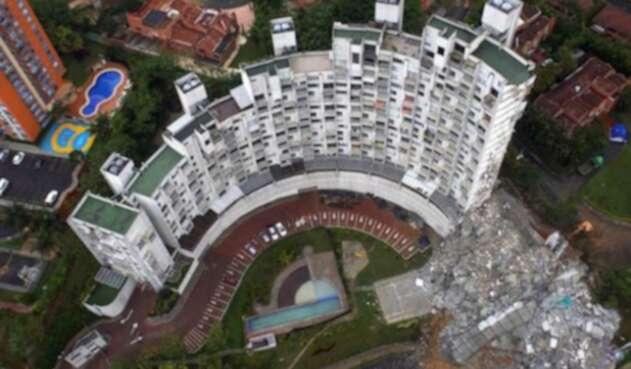 El edificio Space de Medellín que fue demolido