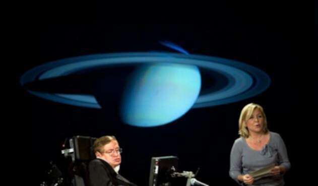 Stephen-Hawking-y-su-hija-Lucy.jpg