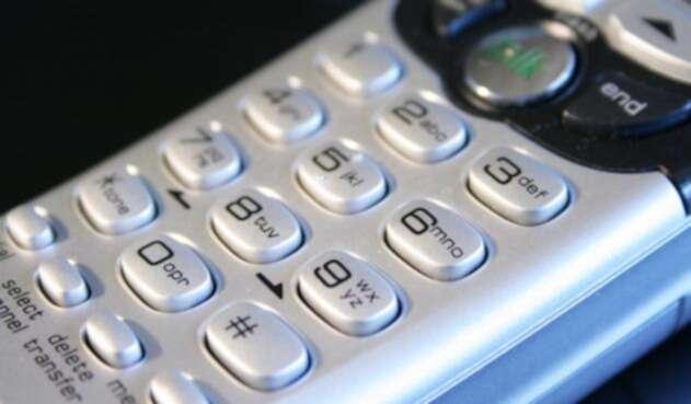 Teléfono-ingimage.jpg