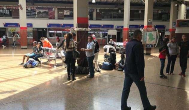 TerminalBogotaVenezolanosLAFM1.jpg