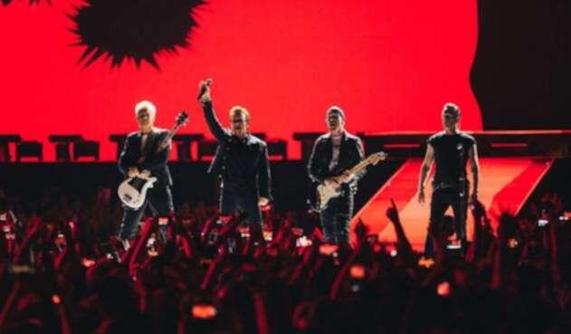 U2-LA-FM-Oficial.jpg