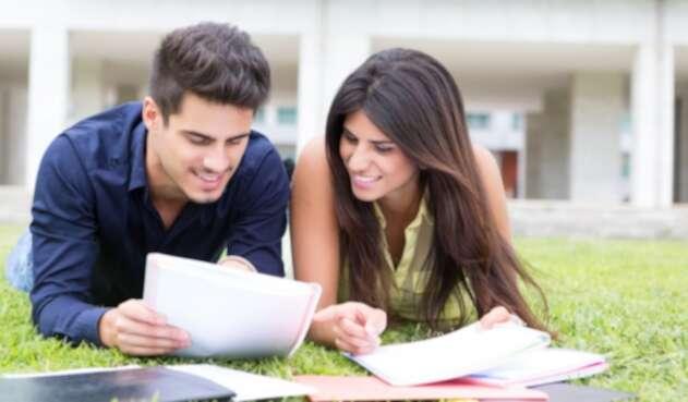 UniversitariosRefINGIMAGE1.jpg