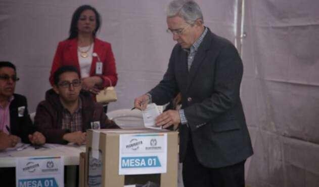 Uribe-plebiscito-Colprensa-Luisa-González.jpg