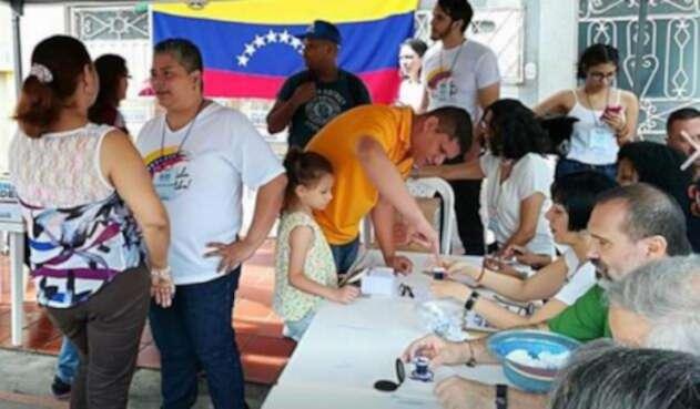 Venezolanos-en-Bucaramanga-LA-FM-RCN-RADIO.jpg