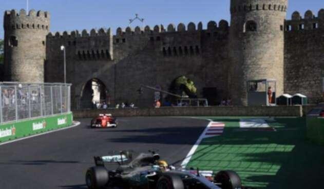 VettelHamiltonF1AFPlafm1.jpg