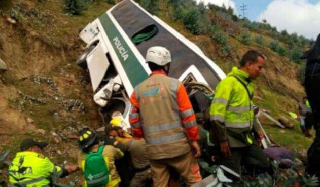 accidene-bus-policí-bomberos.jpg
