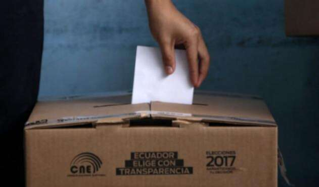 eleccionesecuadorurnarefafplafm1.jpg