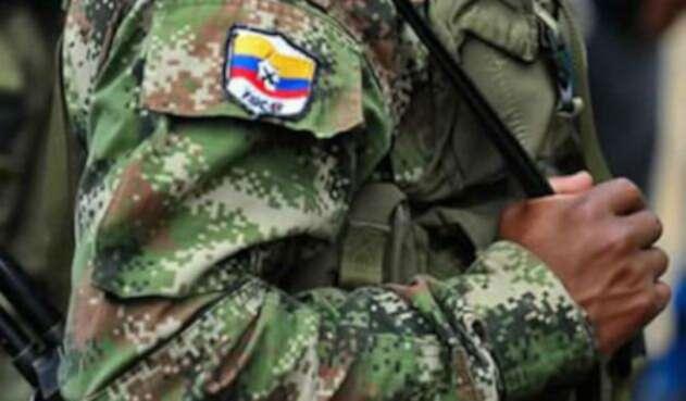 farc-con-uniforme-afp14.jpg