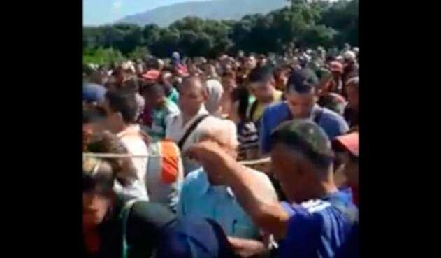 frontera-venezolanos.jpg