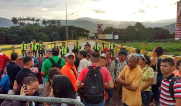 fronteracolombiavenezuelalafm1.jpg