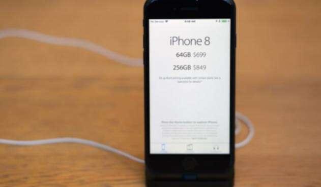 iPhone8RefAFP.jpg