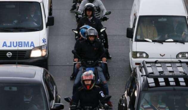 Los motociclistas deberán cambiar sus cascos a uno de mayor seguridad.
