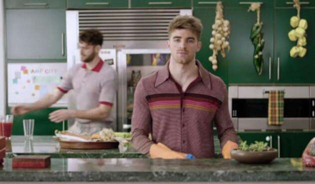 the-chainsmokers-you-owe-me-MV-vid-2018-billboard-1548.jpg