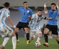 Lionel Messi en partido Argentina vs Uruguay